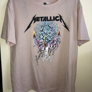 Metallica graphic T (MEDIUM & worn three times)